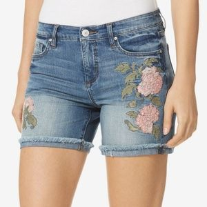 Vintage America • Bestie Shorts w/ Floral Accents